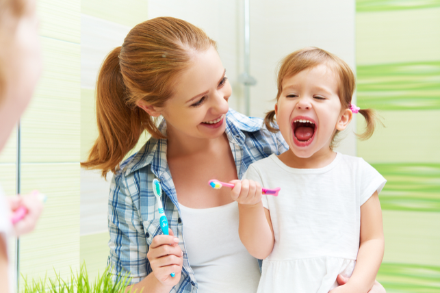 Children Brushing
